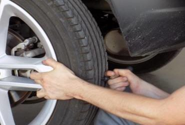 When to change the wheels of my car? Discover it here