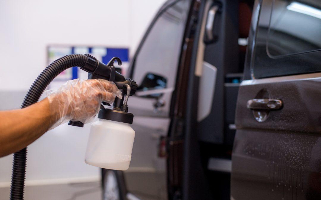 Limpieza de coche con ozono en tu taller de Dénia.