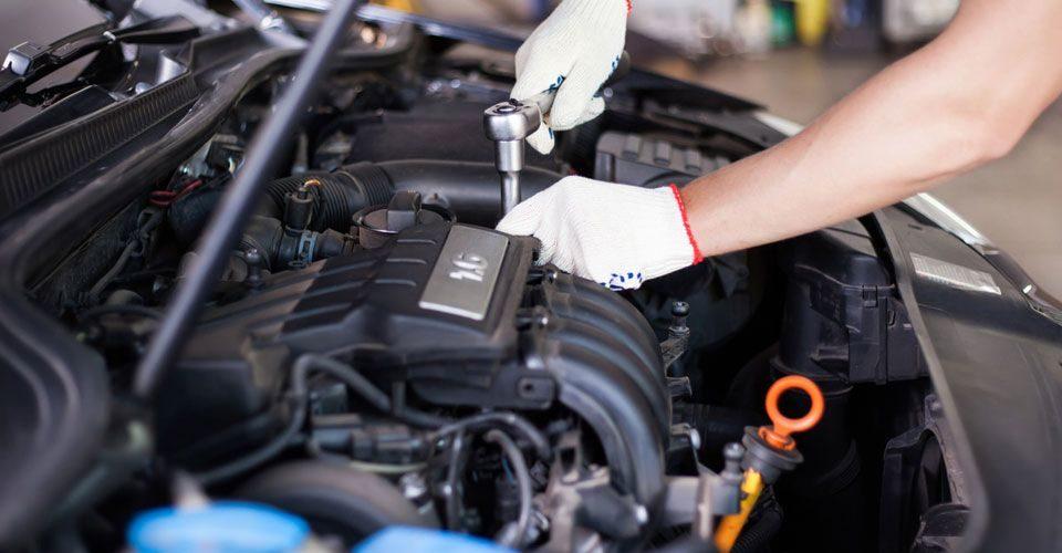 Realiza la revisión de coche en tu taller de Dénia